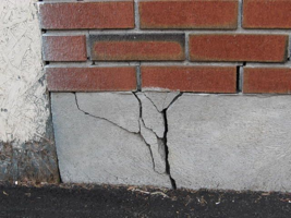 signs of foundation failure